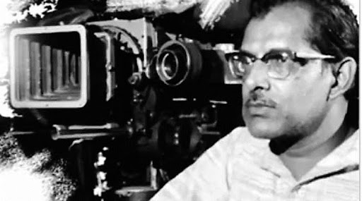 Hrishikesh Mukherjee With Camera